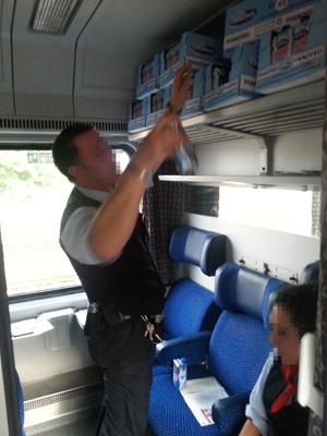 Mandy und der Zugchef und viel Notfallwasser